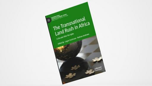 أستاذ بكلية السياسات العامة يتناول الاستثمارات الأجنبية في قارة أفريقيا في بحث له أثرى النقاشات في مؤتمر كبير