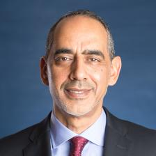 الدكتور طارق يوسف