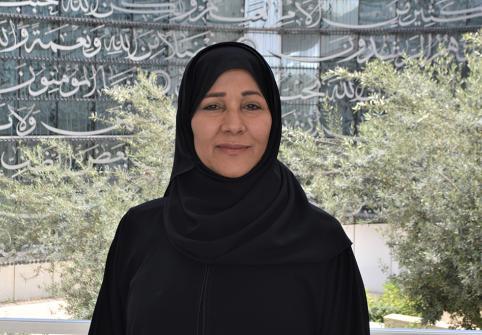 الدكتورة عائشة المناعي، مدير مركز محمد بن حمد آل ثاني لإسهامات المسلمين في الحضارة، التابع لكلية الدراسات الإسلامية.