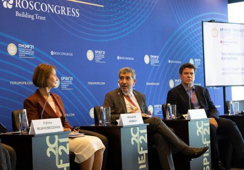 جامعة حمد بن خليفة، عضو مؤسسة قطر، تشارك في مناقشة الأولويات التعليمية  خلال منتدى سانت بطرسبرغ الاقتصادي الدولي