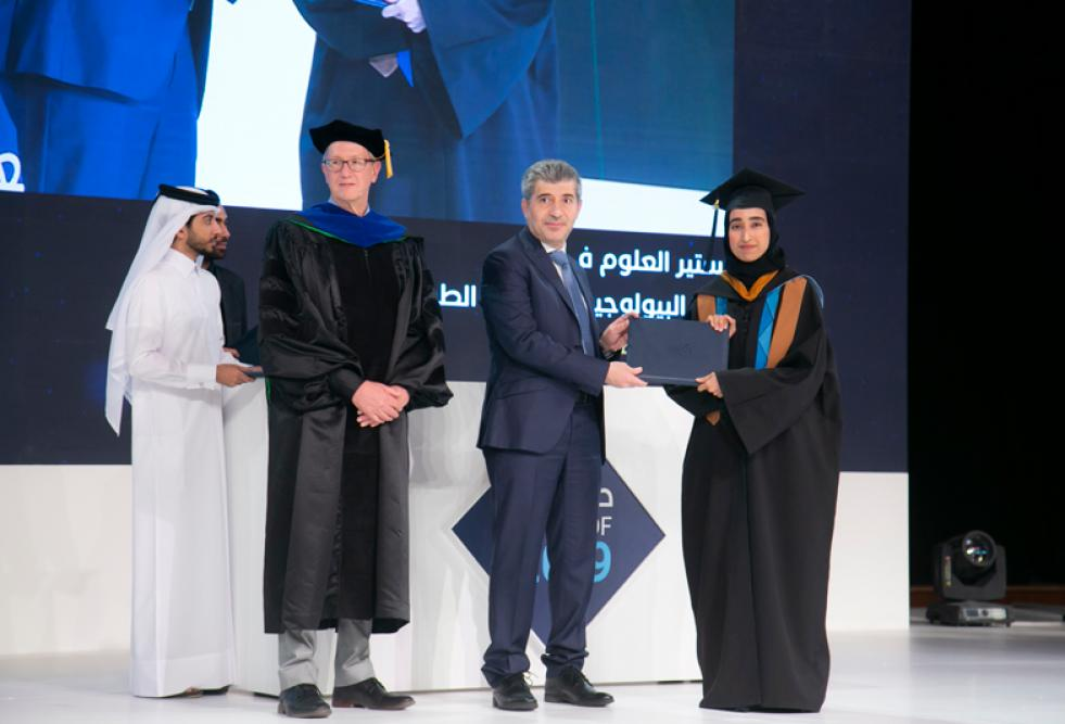 خريجو كلية العلوم الصحية والحيوية بجامعة حمد بن خليفة يتصدون للتحديات الصحية الحرجة التي تواجه دولة قطر