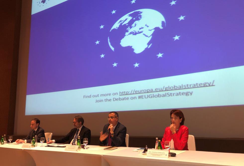 كلية العلوم الإنسانية والاجتماعية بجامعة حمد بن خليفة تستضيف ندوة تناقش قضايا الاتحاد الأوروبي