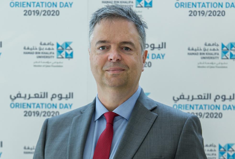 أعضاء هيئة التدريس الجدد والعائدين يثرون المجتمع الأكاديمي المتوسع بجامعة حمد بن خليفة