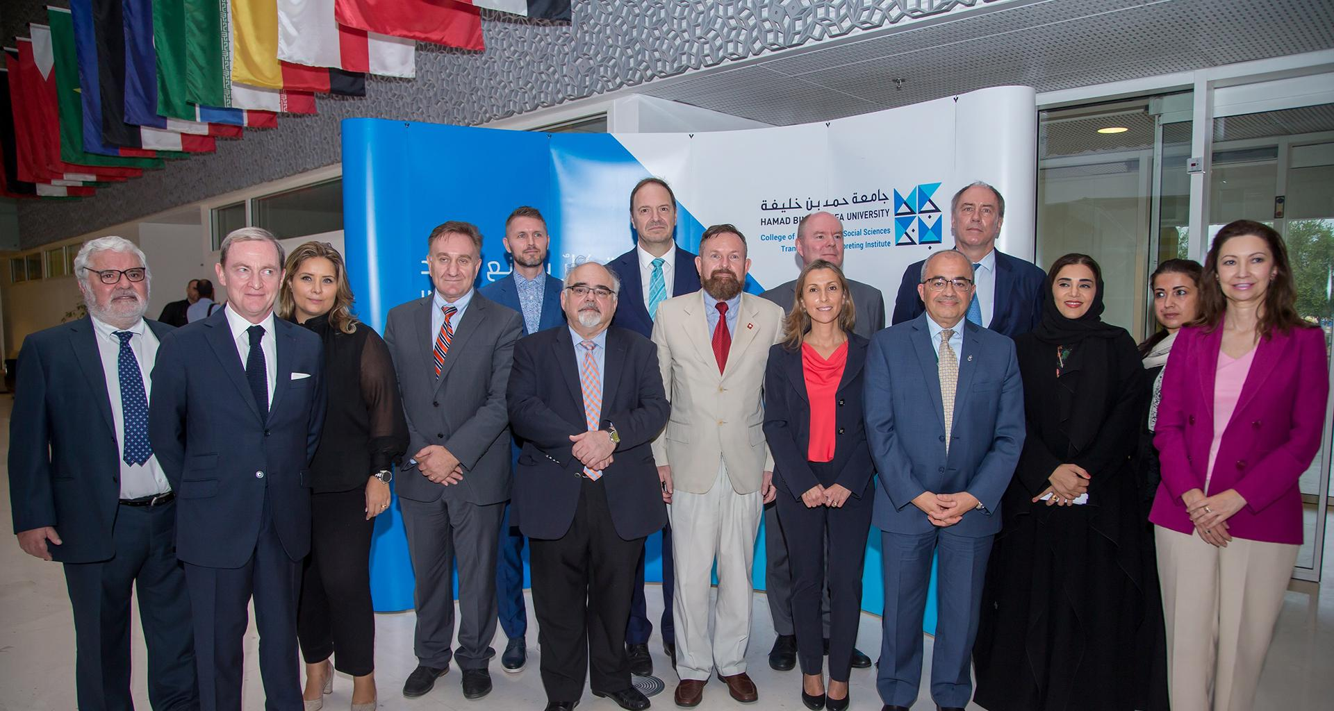 كلية العلوم الإنسانية والاجتماعية تحتفل باليوم الأوروبي للغات بحضور جمع من العاملين في السفارات الأوروبية بالدوحة
