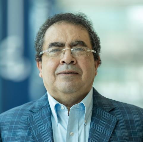 حوار مع الدكتور منير حمدي